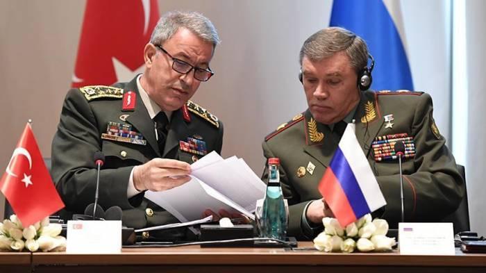 Turquie: Hulusi Akar à Moscou pour parler de la Syrie