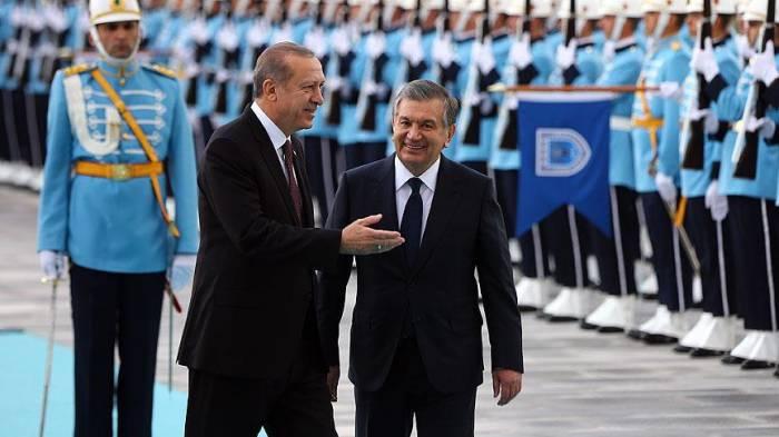 Özbəkistan prezidenti 20 ildən sonra Türkiyədə