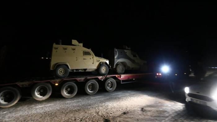 Turquie: Acheminement de matériel militaire à la frontière syrienne