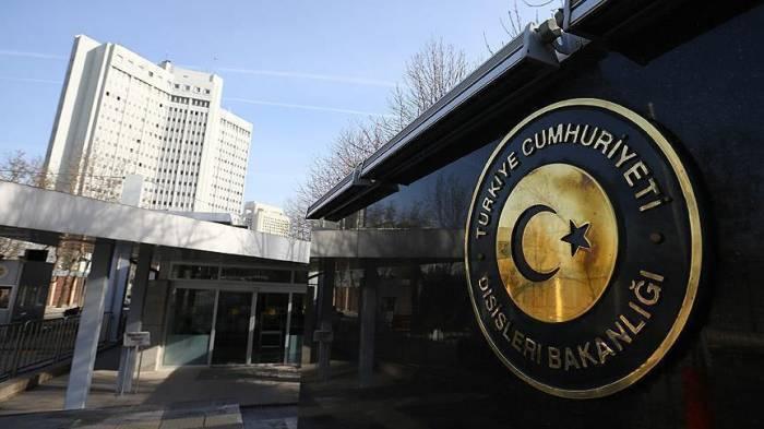 Ankara avertit ses ressortissants contre les violences et les arrestations arbitraires aux USA