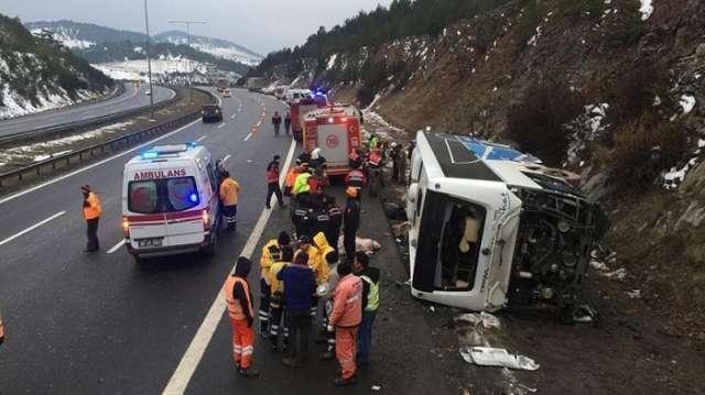Passenger bus crashes near Turkish capital, 2 dead