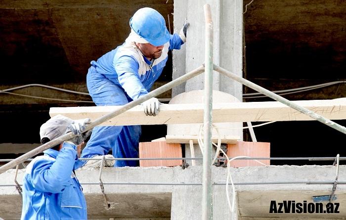 İnşaat sektorunda çalışanların sayı artıb