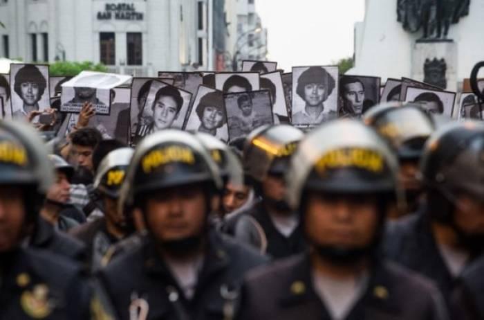Des milliers dans la rue contre la grâce de Fujimori