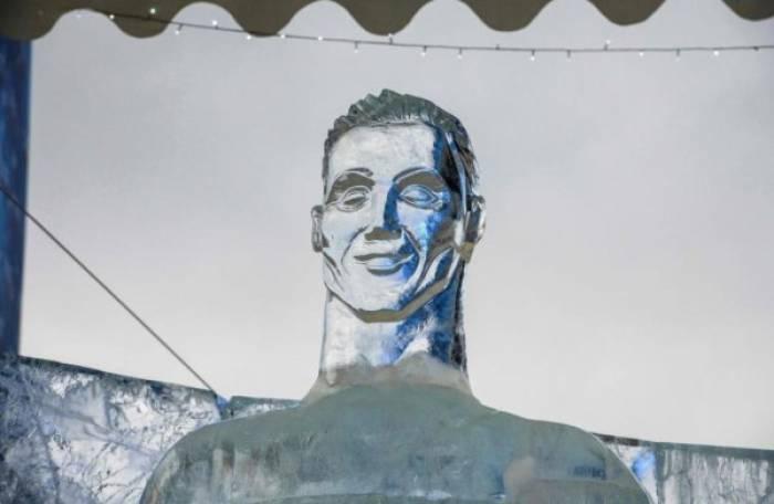 Ronaldo a droit à une nouvelle statue foireuse