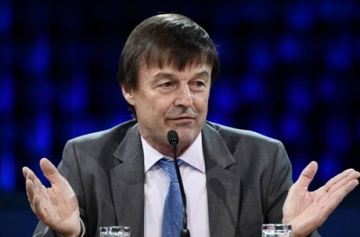 Le ministre de l'Ecologie Nicolas Hulot a six voitures