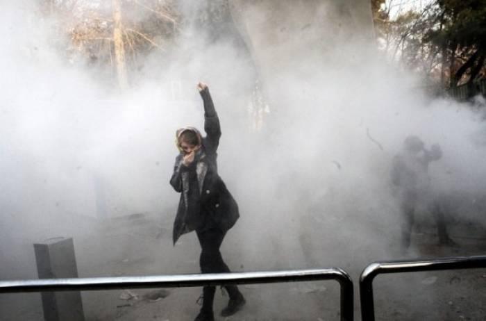 Iran: Armée prête à réprimer les «dupes du Grand Satan»