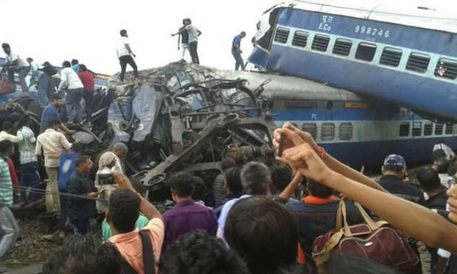 6 killed, 35 injured as train derails in India