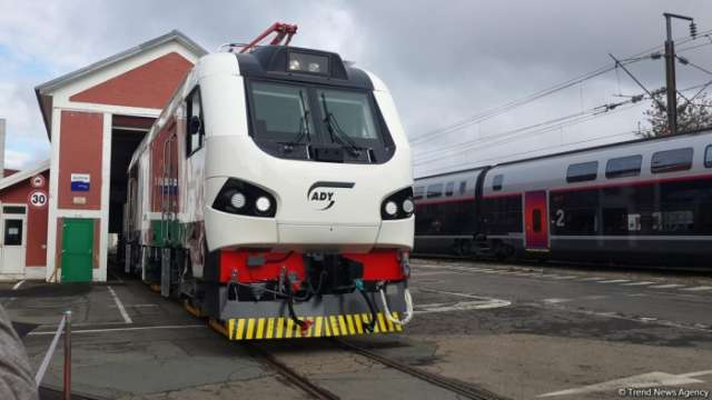 New electric locomotives to shorten travel time between Baku, Tbilisi