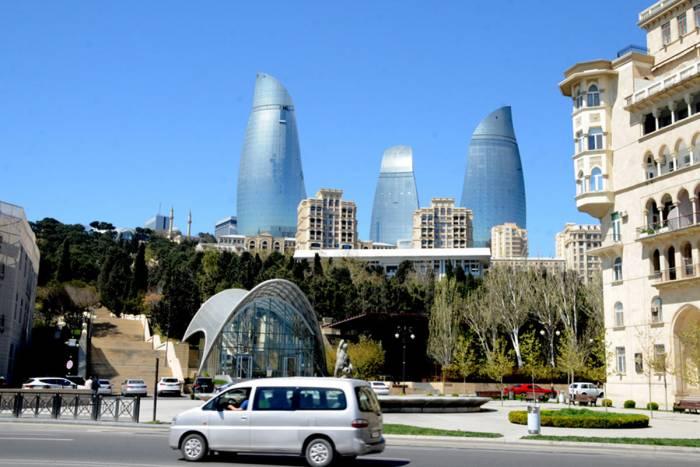 Touristen mieten öfters in Baku Privathäuser