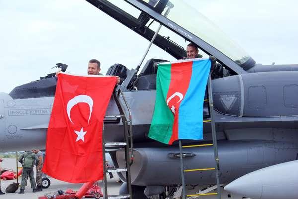 Azərbaycan-Türkiyə hərbi ittifaqı güclənir