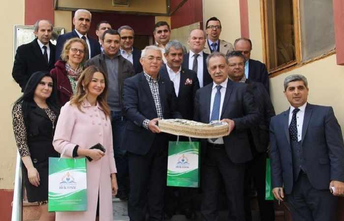 Türkiyənin məşhur jurnalistləri Bilik Fondunda oldular