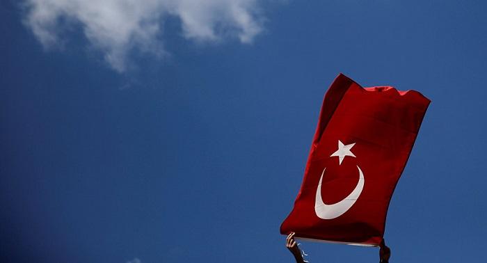 Ankara: EEUU no cumplió sus promesas de cesar apoyo a los kurdos sirios