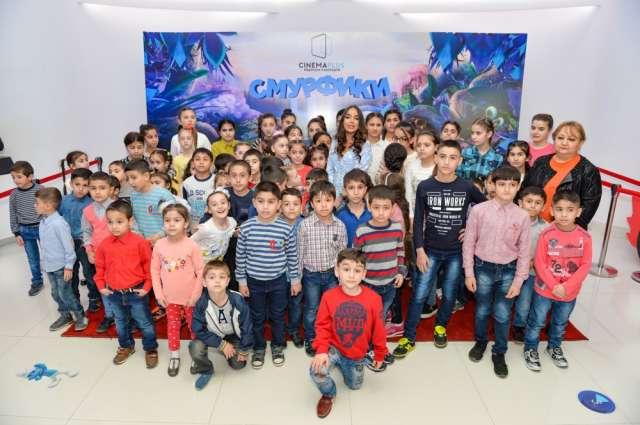 Leyla Əliyeva uşaqları sevindirdi - Fotolar