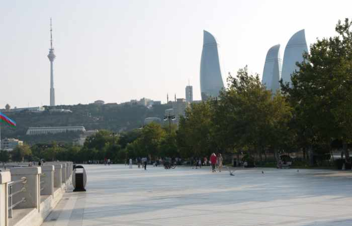 5 reasons why you have to visit the Baku Boulevard
