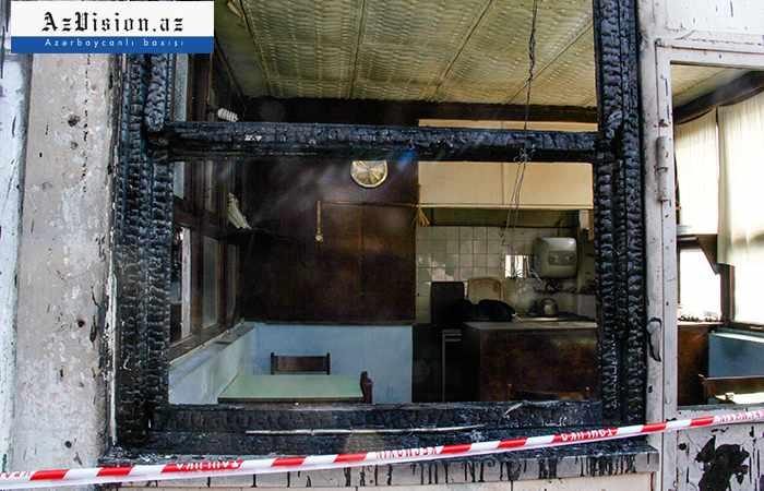 Sumqayıtda 4 otaqlı ev yanıb