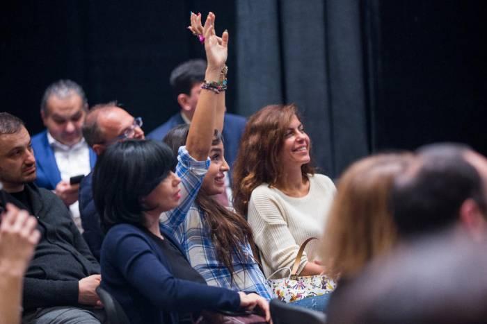 Leyla və Arzu Əliyeva yoqa seminarında -