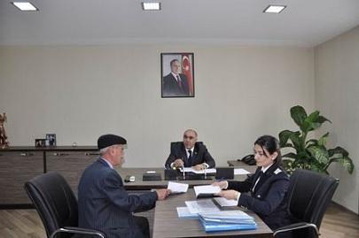 Baş prokuror vətəndaşlarla görüşdü