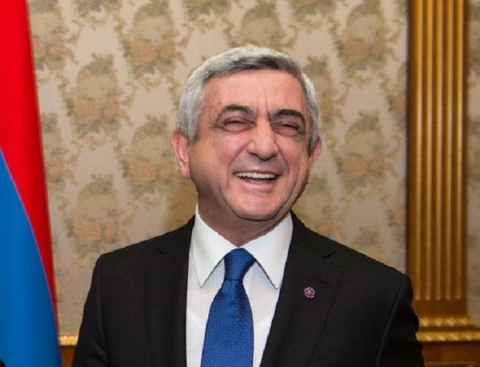 لحظات مضحكة الرئيس الارمينى سيرج سارجسيان - فيديو