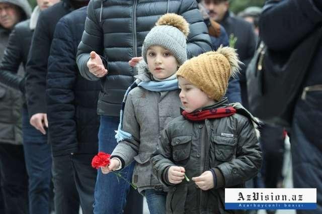 أذربيجان تذكر الشهداء 20 يناير-صور